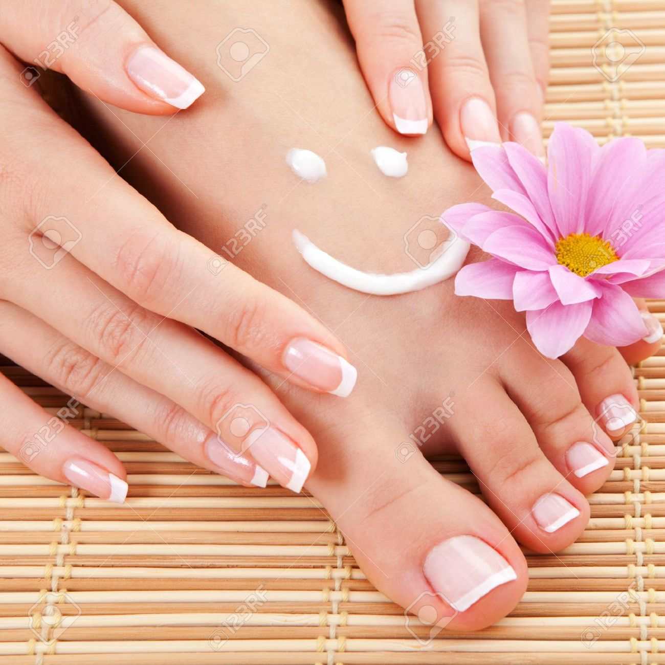 https://previews.123rf.com/images/suravid/suravid1211/suravid121100083/16167362-care-for-beautiful-woman-legs-Stock-Photo-feet-pedicure-manicure.jpg