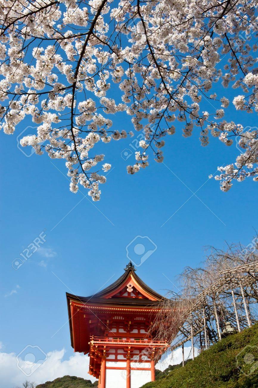 Gateway of Kiyomizu Temple in Kyoto Japan. Stock Photo - 7354841