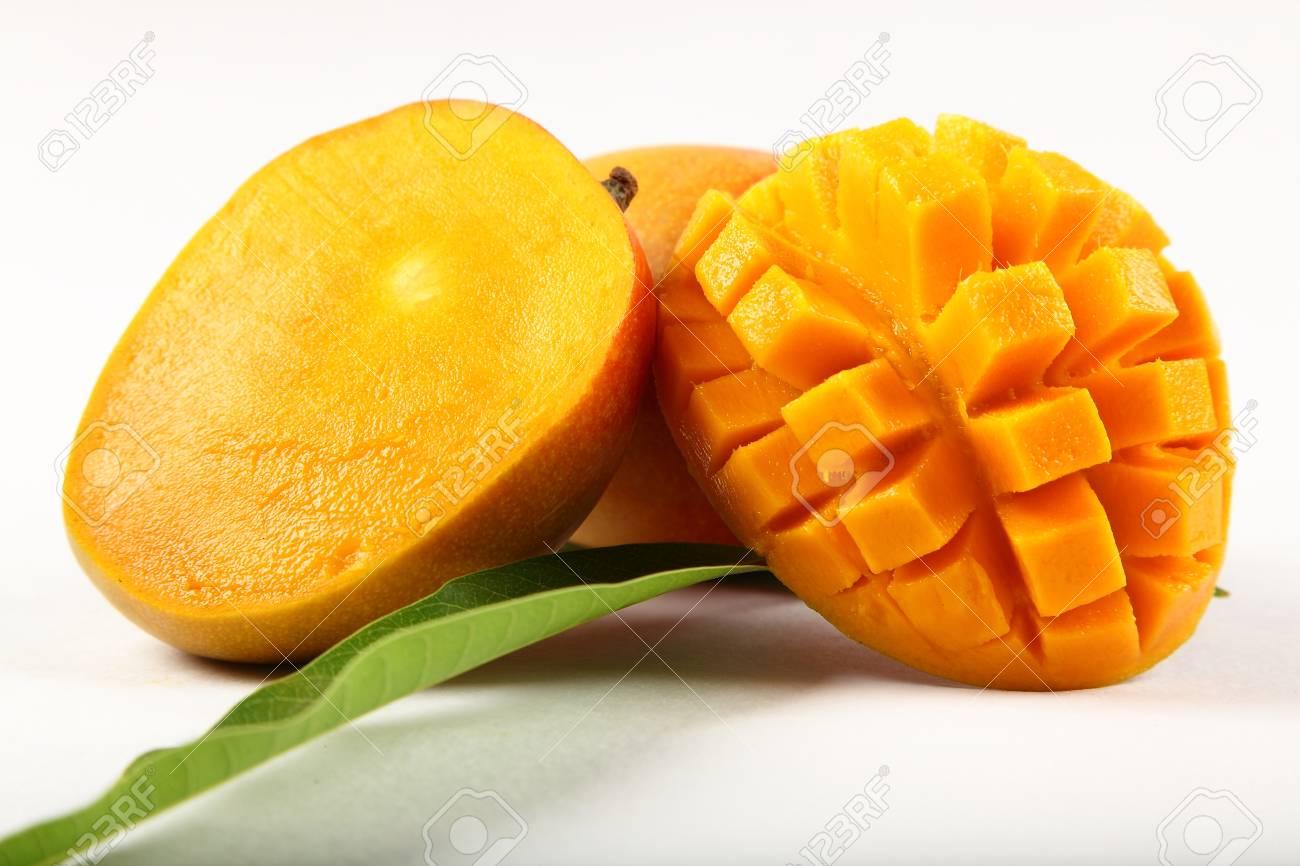80524447 sliced alphonso mangoes