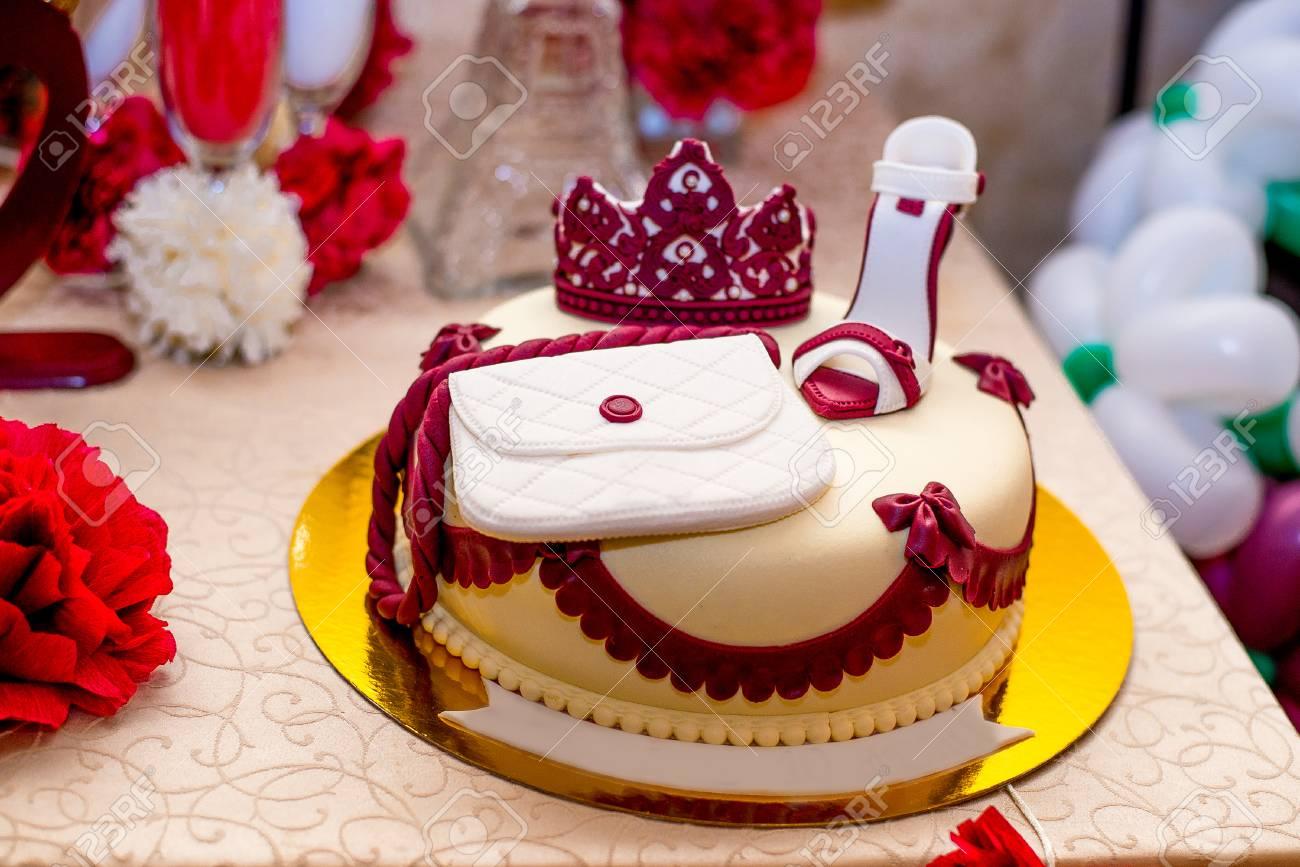 Maravillosa Tarta De Cumpleanos Torta De Mazapan Para Las Mujeres - Tartas-de-cumpleaos-para-mujeres
