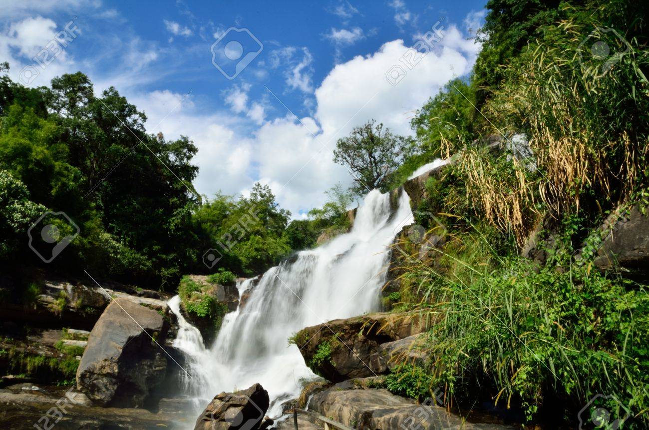 Mae Klang waterfall, Doi Inthanon national park, Chiang Mai in Thailand Stock Photo - 16899120