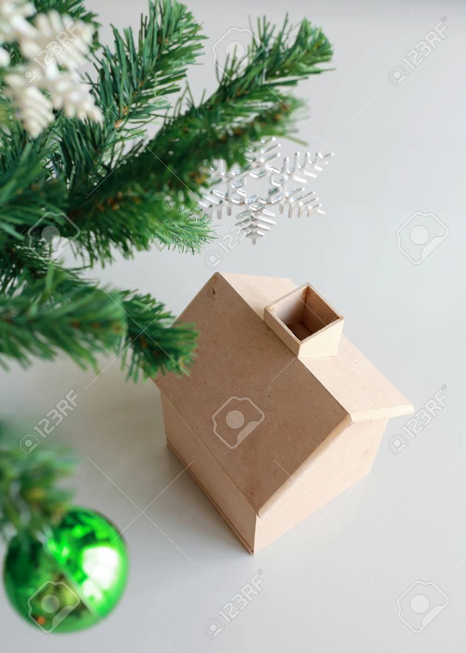 Decoration De Noel Avec Une Petite Maison Et Arbre Bois Banque D