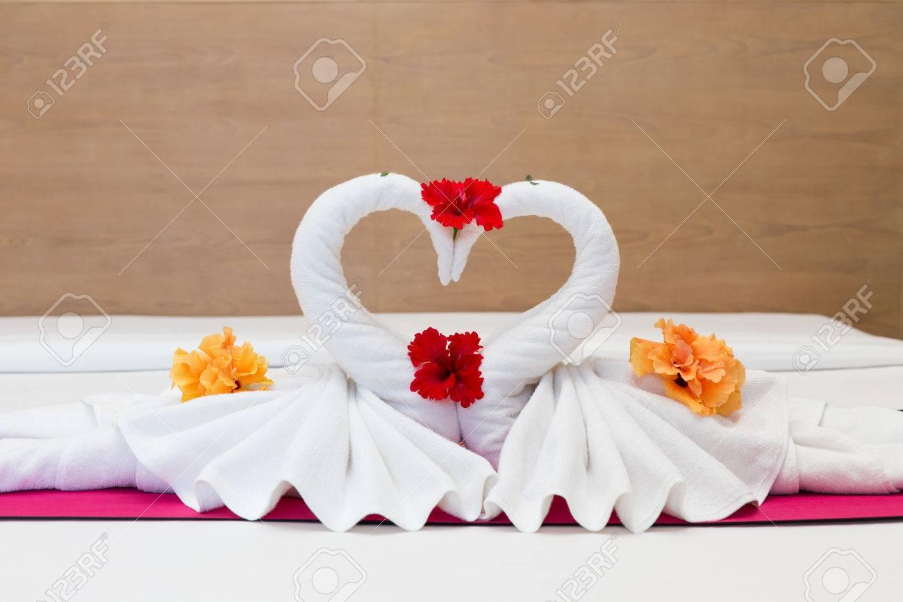 Как сделать лебедя из полотенца своими руками 11