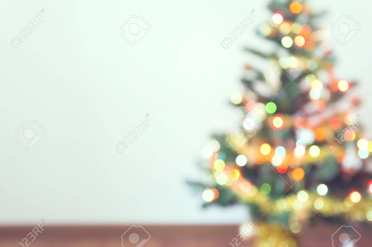 Blur Light Celebration On Christmas Tree With White Wall Background Banco De Imagens Royalty Free Ilustracoes Imagens E Banco De Imagens Image 48733607