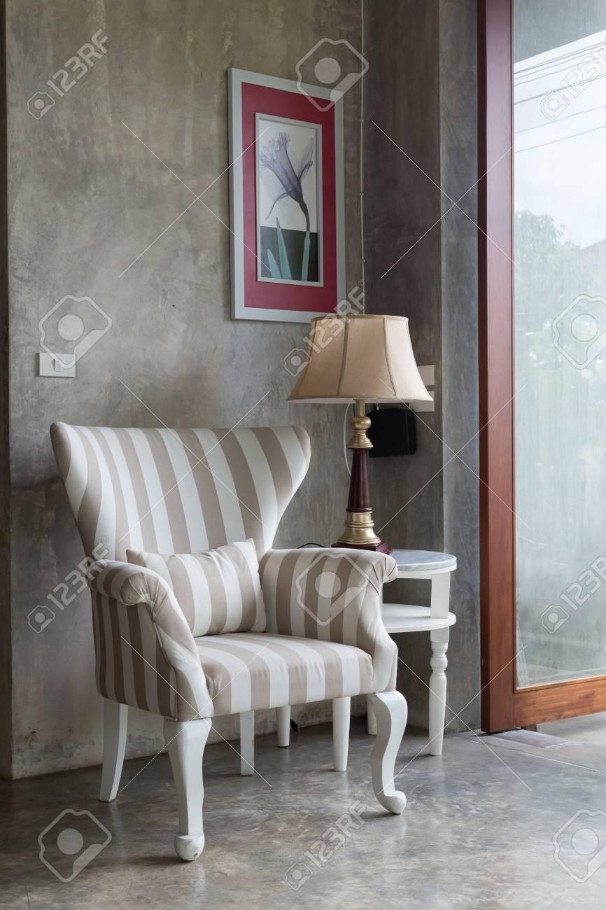 Interior design salon style moderne avec canapé meubles