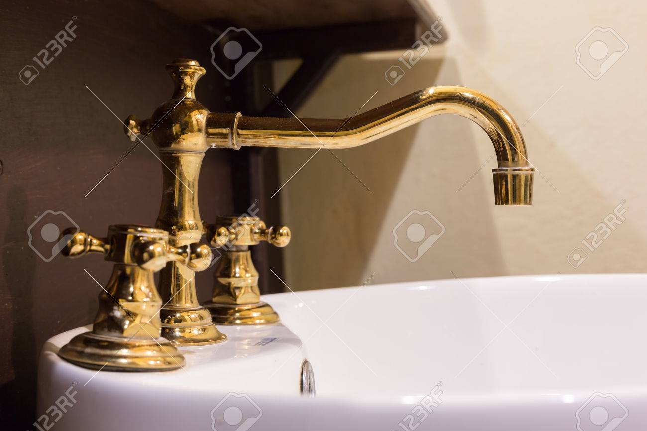 Gold Faucet And Washbasin Design Retro Vintage Decorated Luxury ...