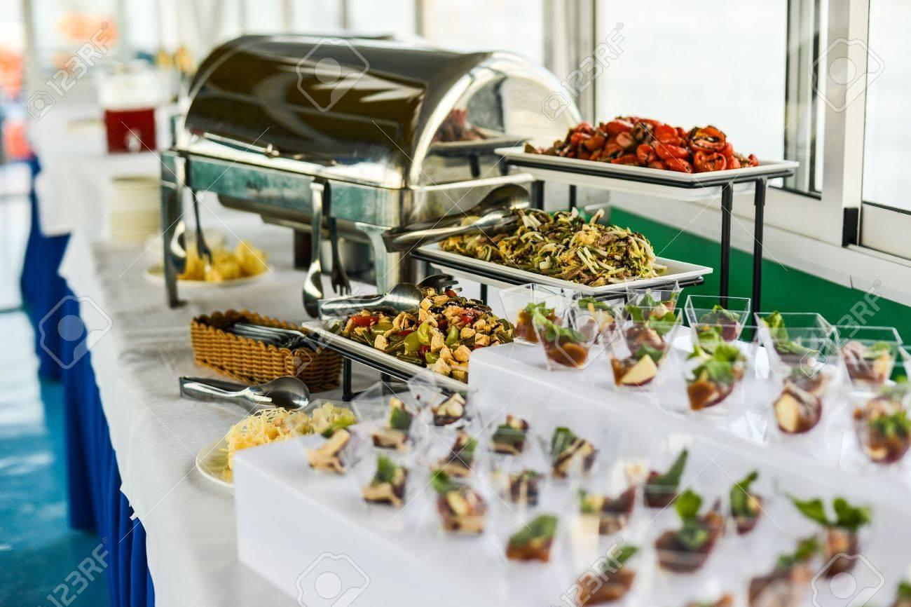 Buffet Tisch Canape Sandwiches Snacks Urlaubstisch Geschnitten