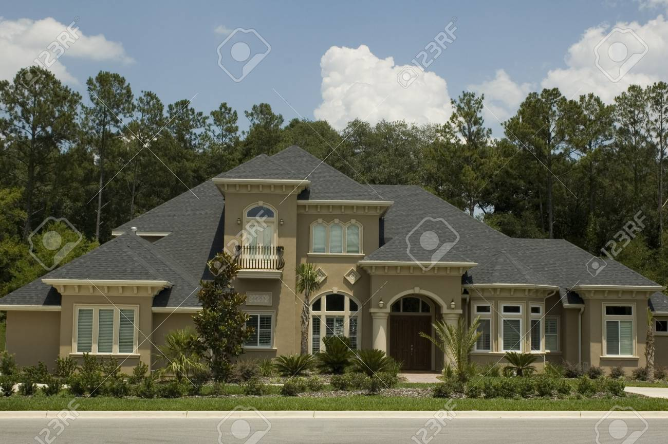 A modern home in Florida. Stock Photo - 435181