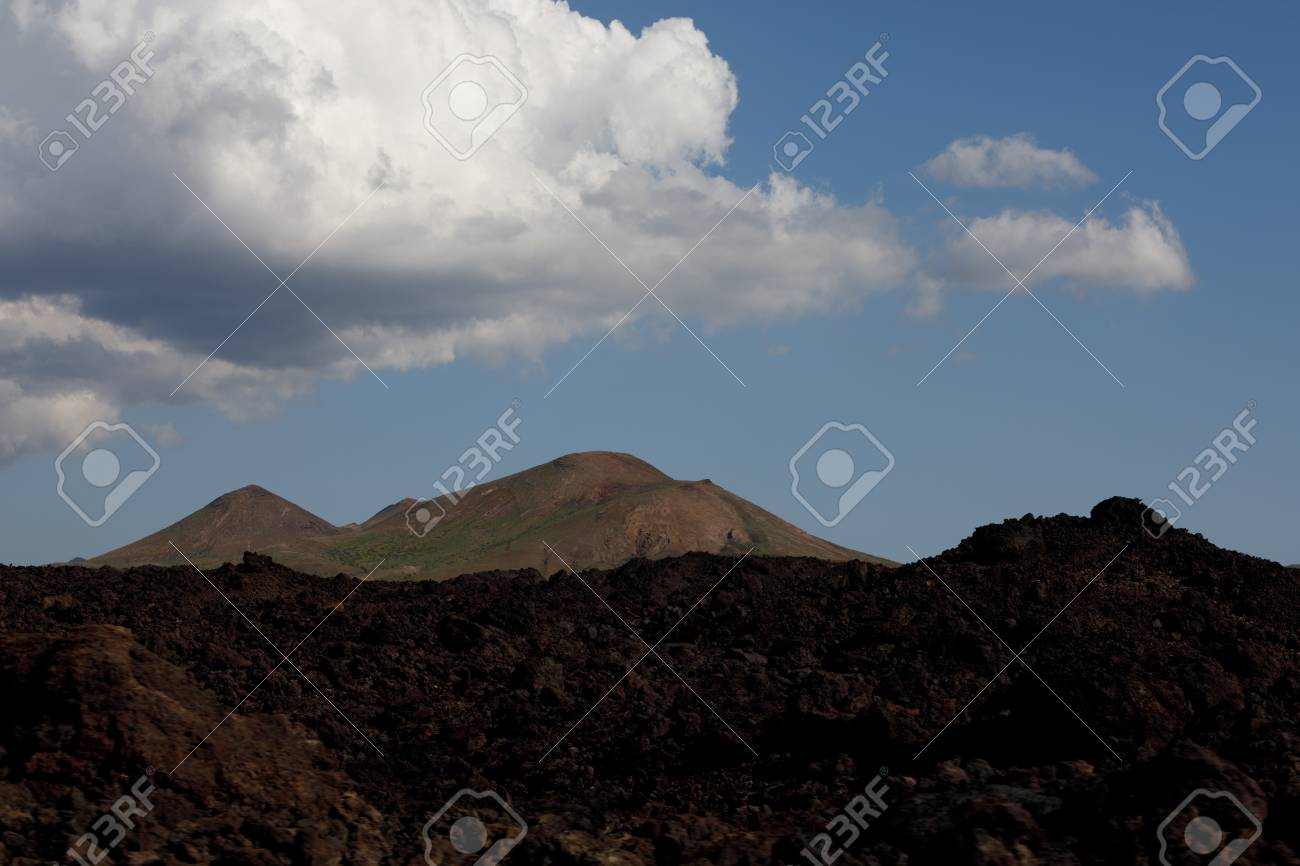 Volcanic, but green landscape on Lanzarote. - 81553133