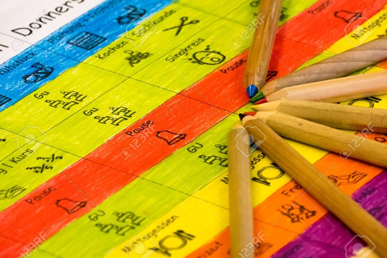 Calendario Classe Prima.Self Made Calendario Per La Scuola In Lingua Tedesca Con I Simboli Di Prima O Seconda Classe