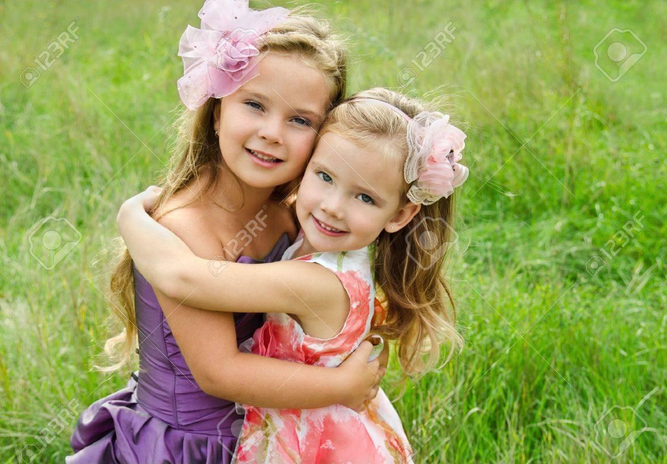 Фотки девочки лижут друг другу 22 фотография
