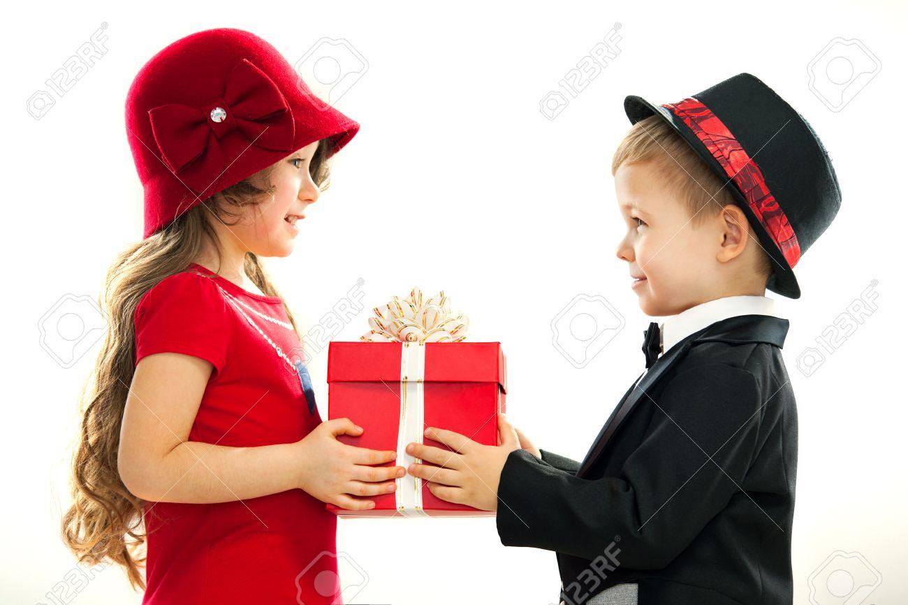 Этикет дарения подарков И так, что дарить, когда дарить и кому дарить? 35