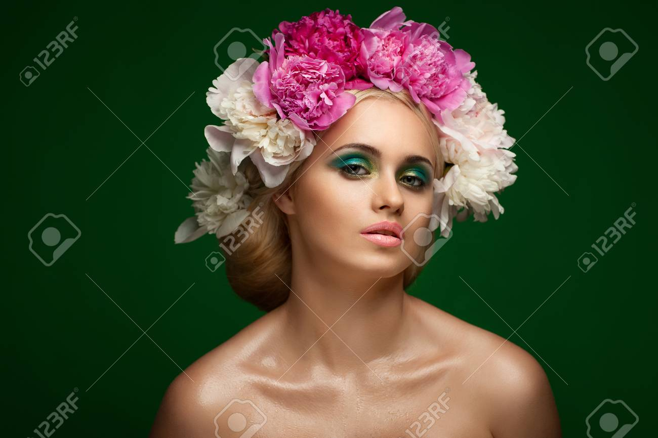 Styled Fashion Portrait. Professional Make-up.Makeup Stock Photo - 24273116