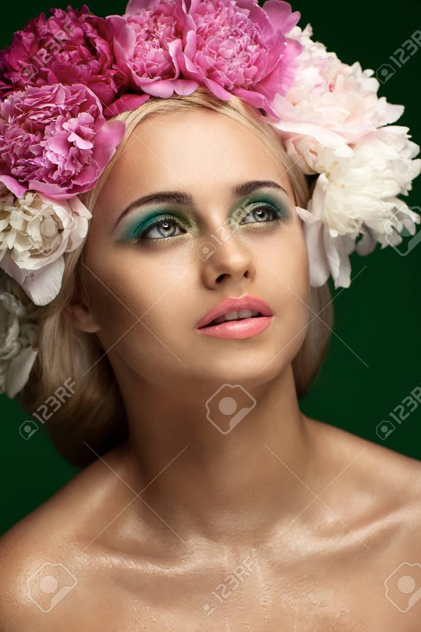 Styled Fashion Portrait. Professional Make-up.Makeup Stock Photo - 24273117