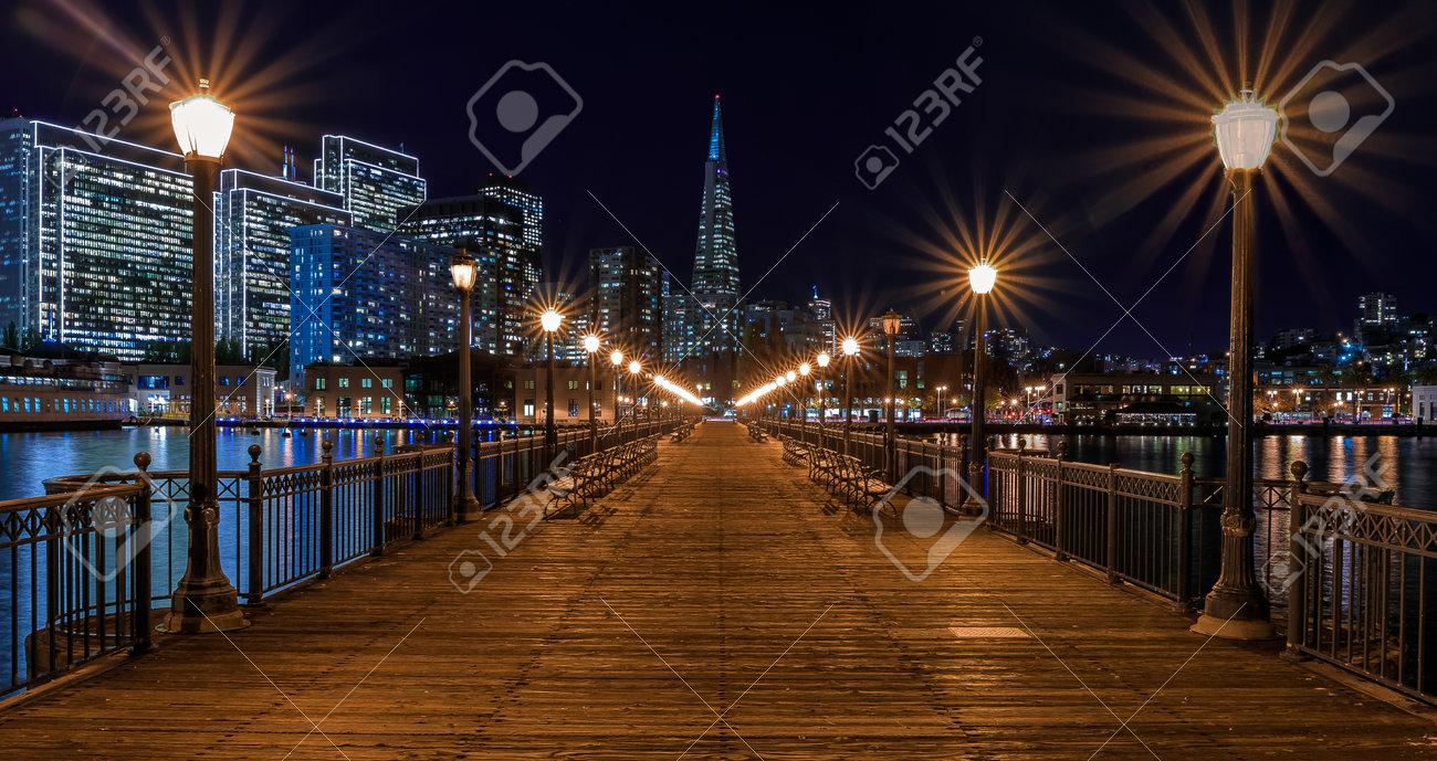 San Francisco, USA - 27. November 2017: Panoramablick Der ...