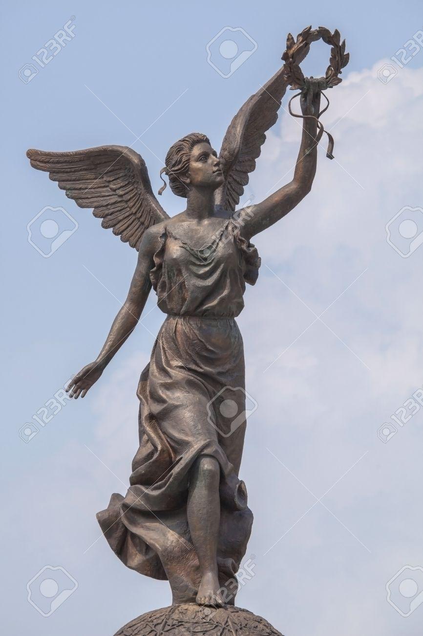 勝利の女神ナイキ ハルキウの空...