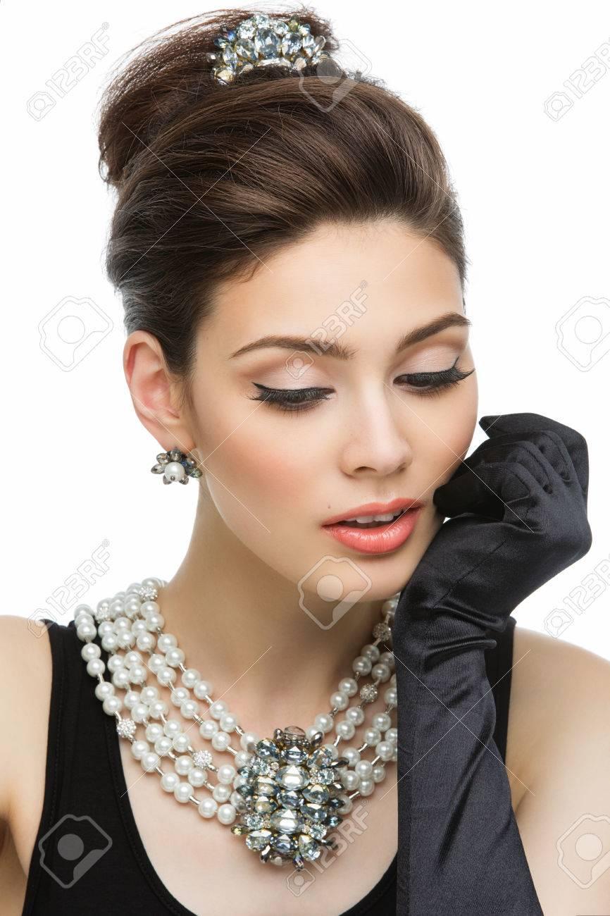 Schöne Junge Frau, Die Wie Audrey Hepburn In Der