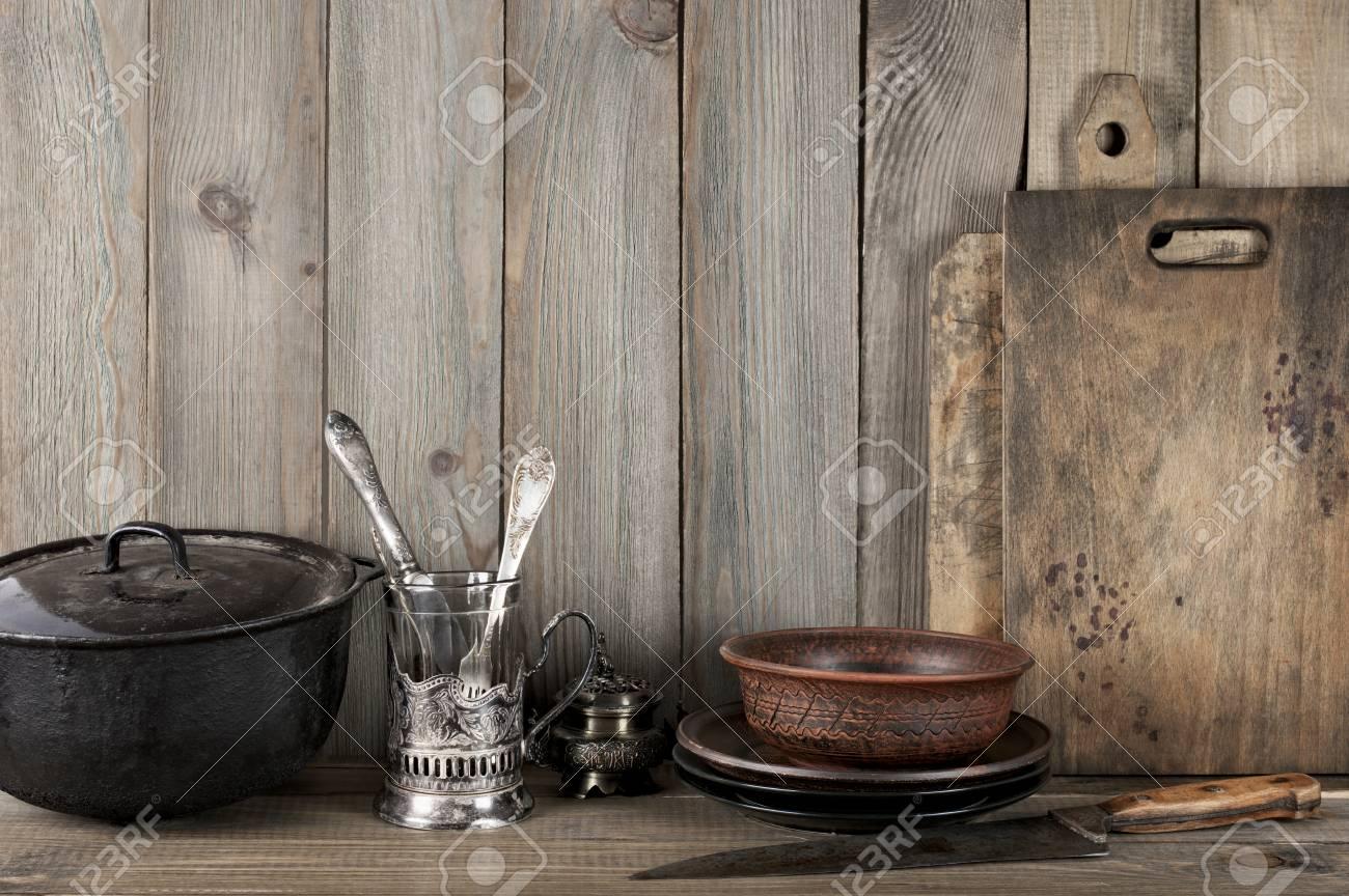 Weinlese-rustikale Küche Stilleben: Silber Glashalter Mit Besteck ...