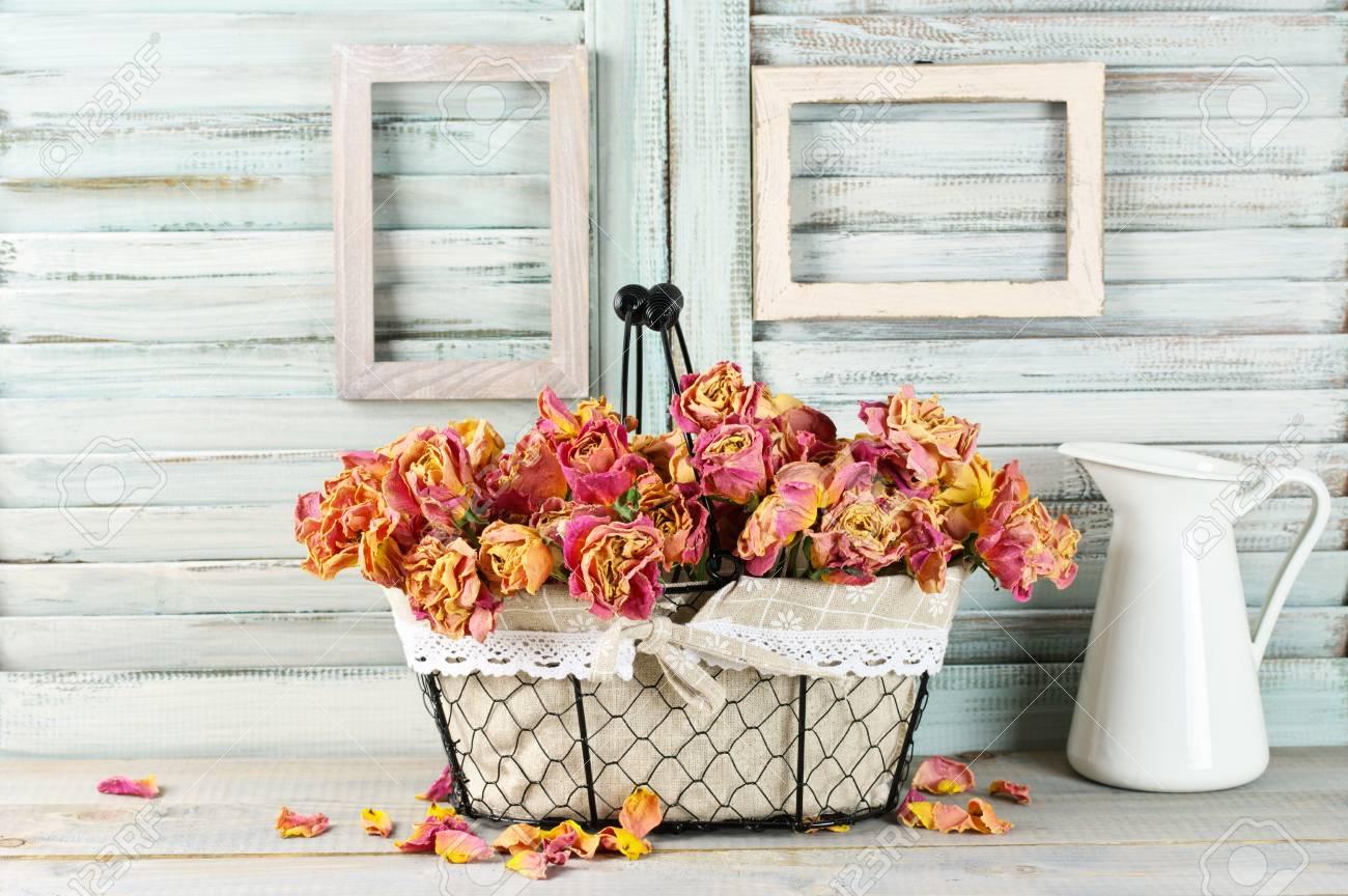 shabby chic, toujours la vie: bouquet de roses sèches roses
