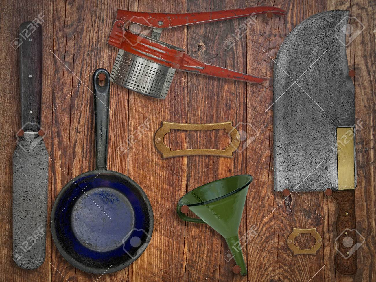 Vintage Küchenutensilien Auf Holzwand, Platz Für Text Und Namen ...