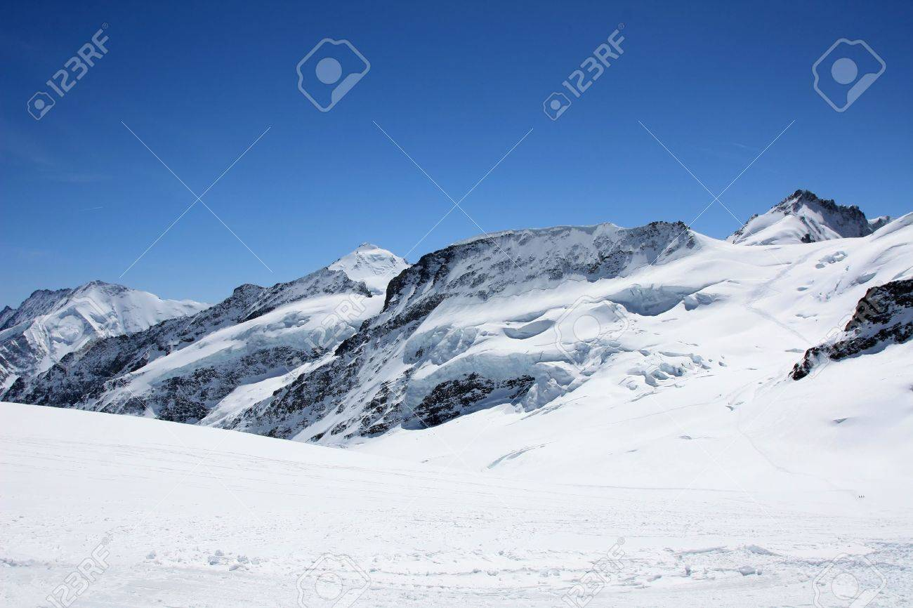 Eternal snow on the top of Jungfrau (Jungfrau region, Seitzerland) Stock Photo - 5009982