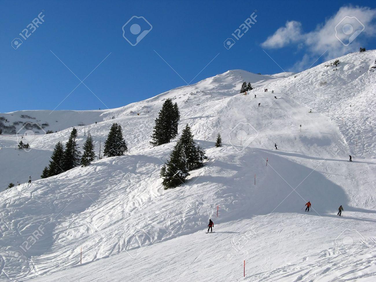 Skiing in Swiss Alps (Flumserberg, St. Gallen) Stock Photo - 5110248