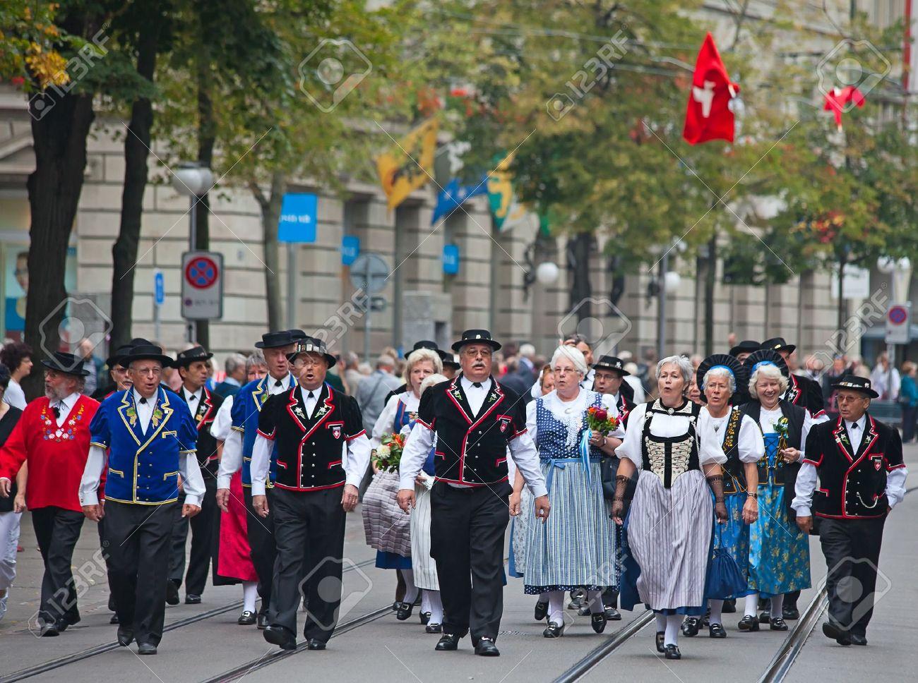 ZURICH - AUGUST 1: Swiss National Day parade on August 1, 2009 in Zurich, Switzerland. Representatives of canton St. Gallen in a historical costume. Stock Photo - 13580940