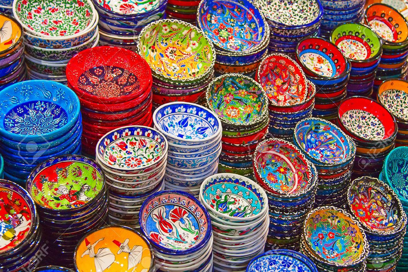 Traditional Turkish ceramics on the Grand Bazaar - 24293540