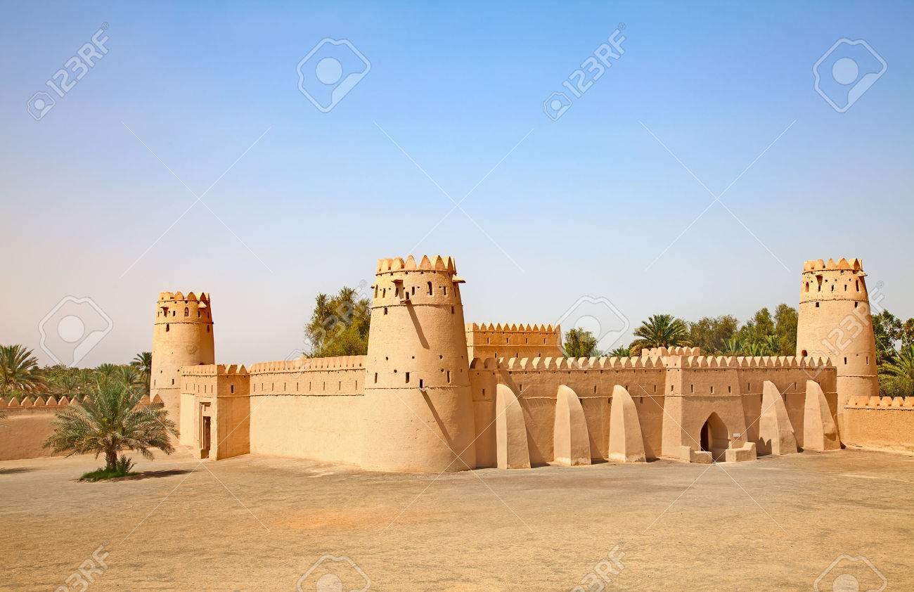 Famous Jahili fort in Al Ain oasis, United Arab Emirates - 29934669