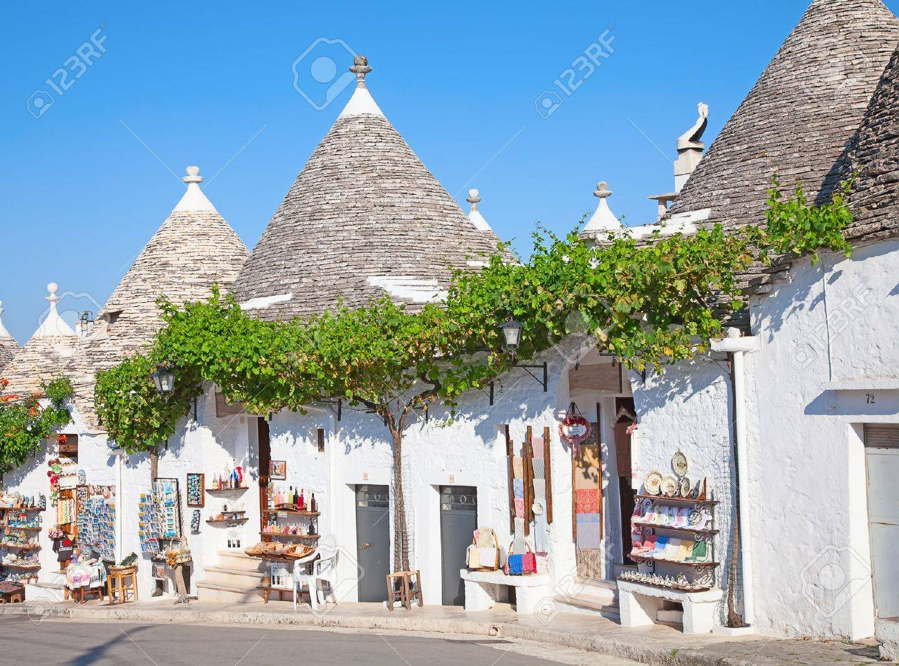 """Traditional """"Trulli"""" houses of the Apulia region - 33670818"""