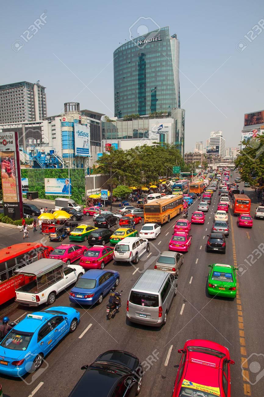 バンコク - 3 月 3 日: 毎日渋滞...