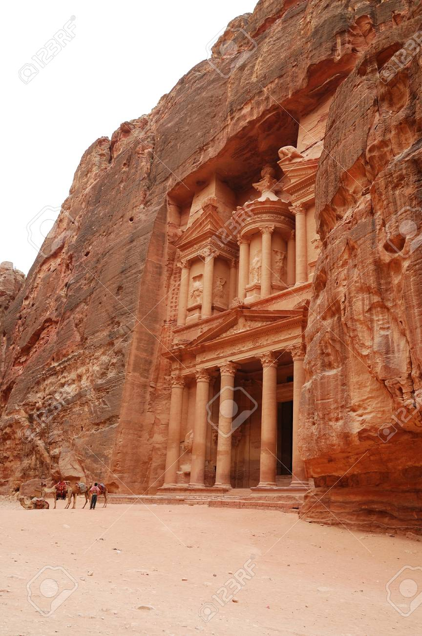 View of ancient temple in Petra - 7862711