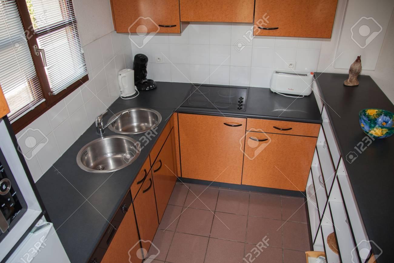 Cucina Moderna Arancione.Cucina Moderna Arancione In Una Casa Moderna