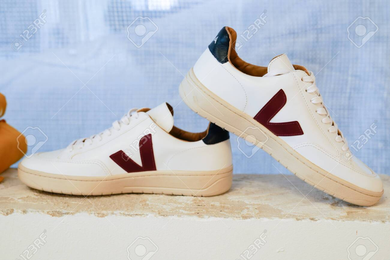 10 2020: Veja Sneakers Shoes