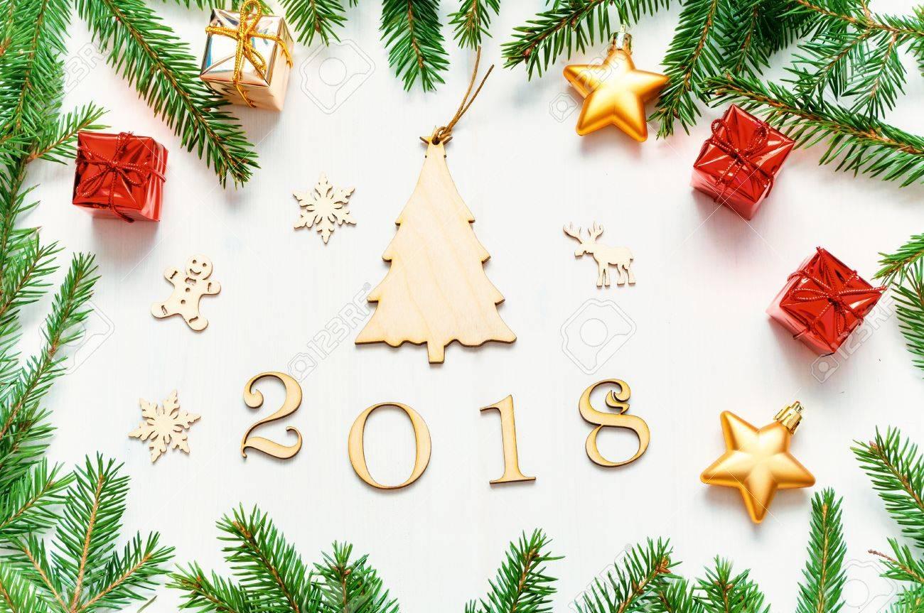 Fondo De Año Nuevo 2018 Con Figuras, Juguetes De Navidad, Con Marco ...