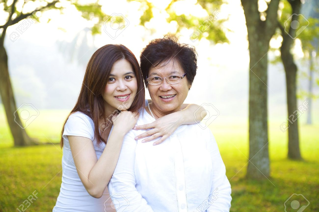 Asian mom and daughter