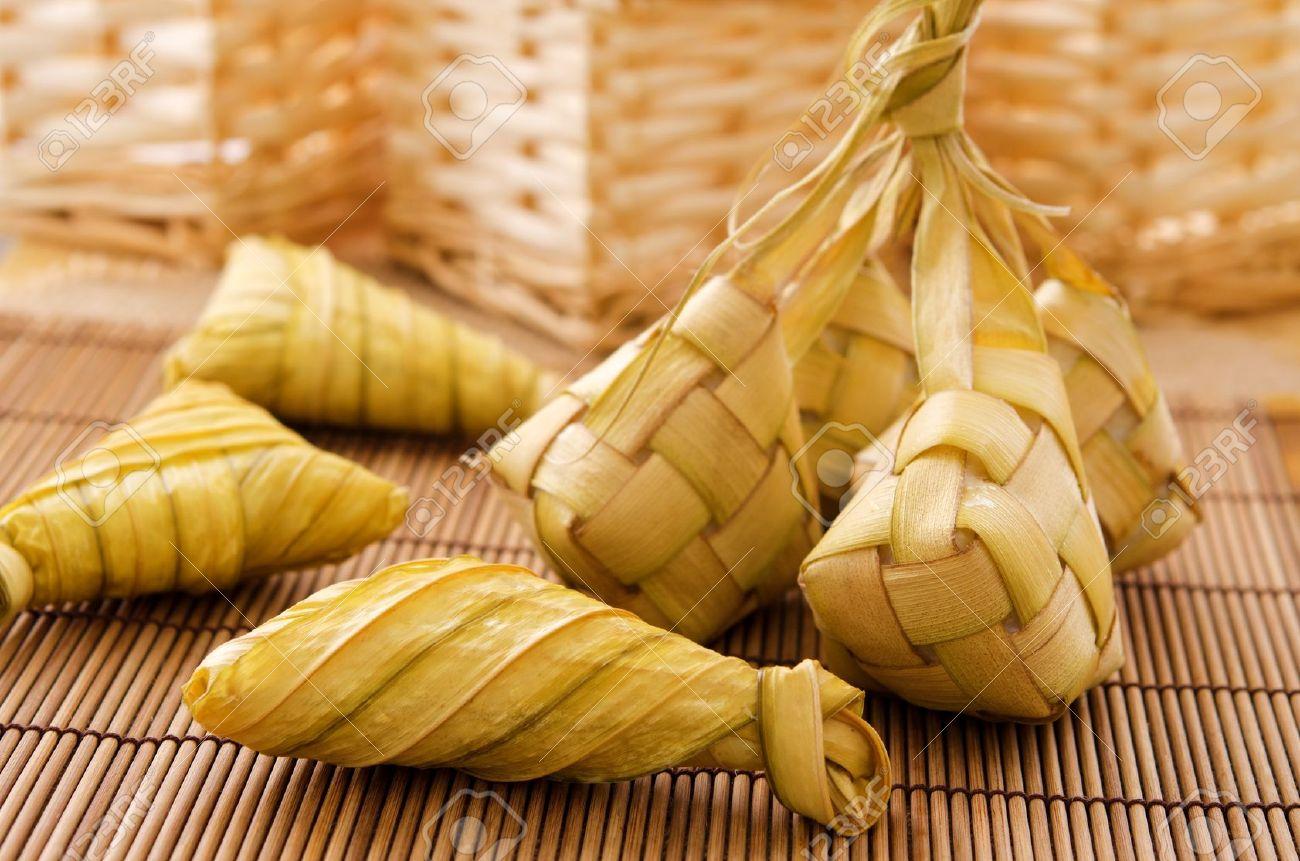 Ketupat Oder Verpackt Reis Knodel Leckere Traditionelle Malay