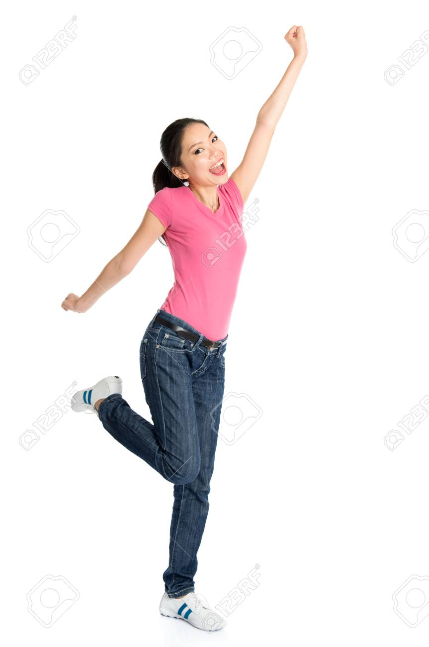 Amateur girl peeing in diaper