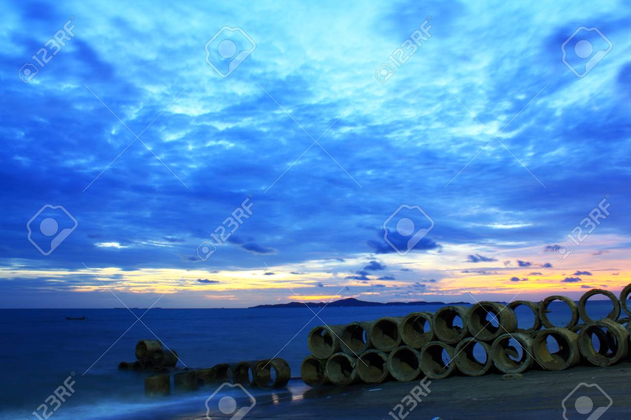 Blue sky in the evening in Pattaya, Thailand Stock Photo - 14062138