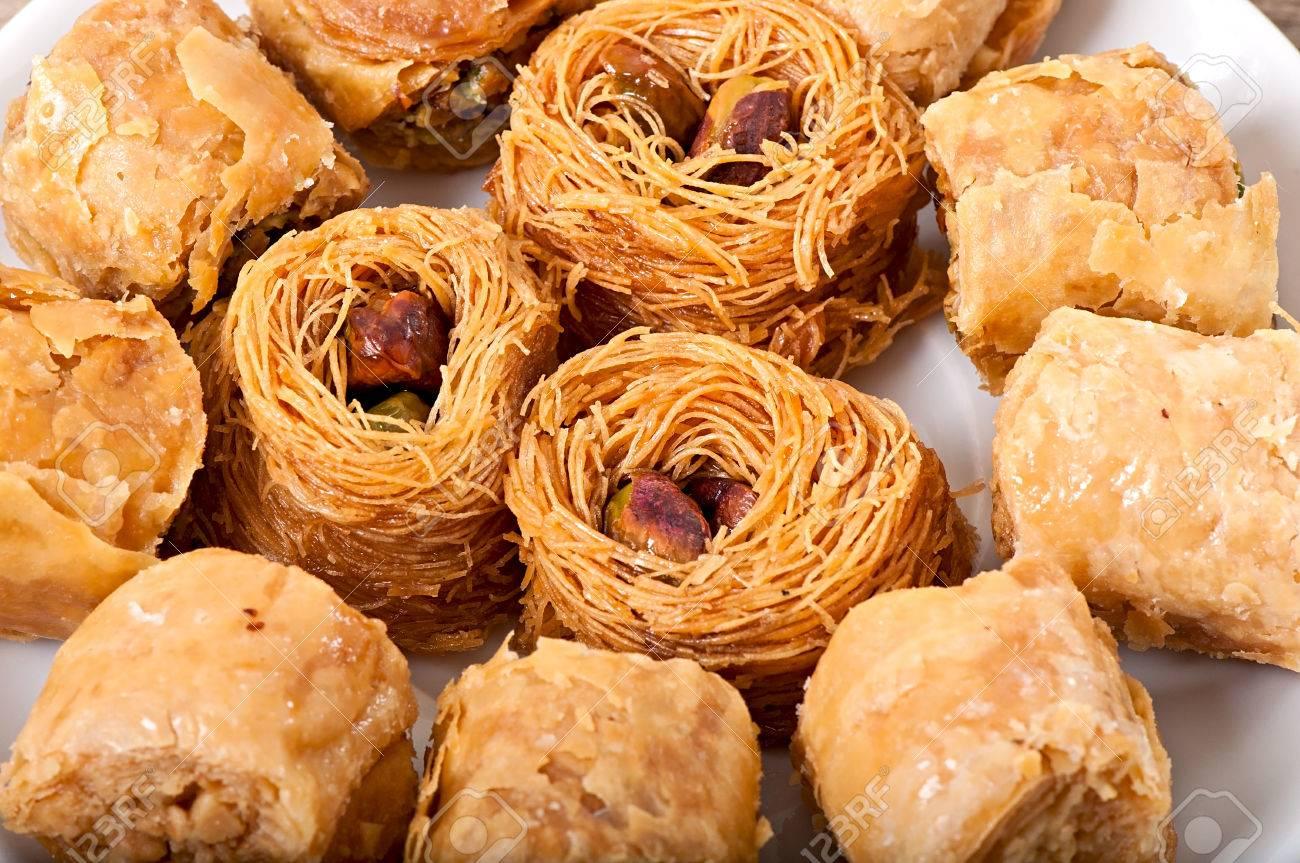 Pasta y carne de aprovechamiento 37203745-eastern-dessert-baklawa