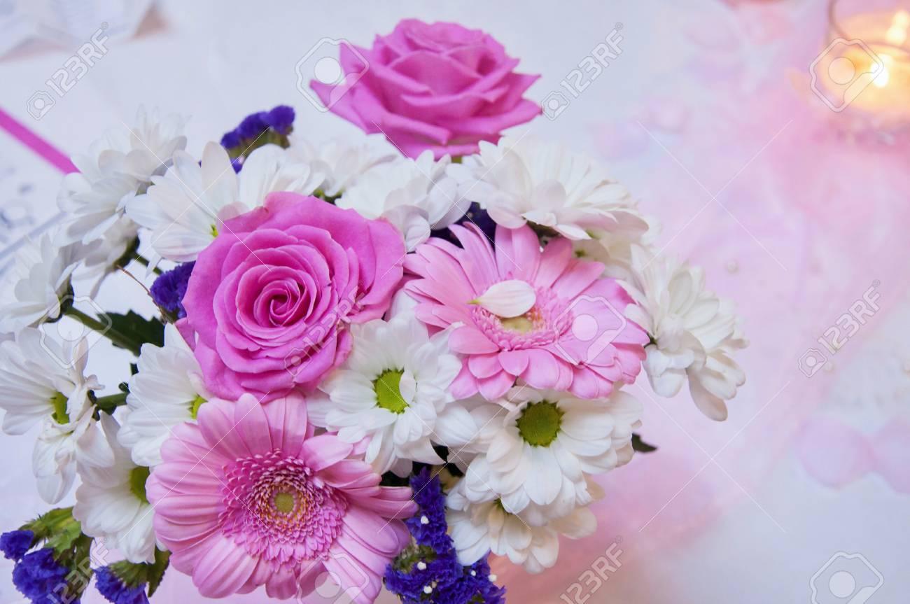 Schone Hochzeit Arrangement Hochzeitsdekoration In Rosa Farbe