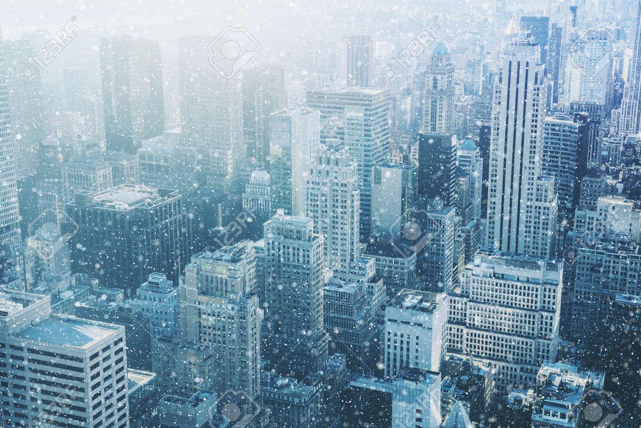 Schnee In New York City   Fantastisches Bild, Skyline Mit Städtischen  Wolkenkratzer In Manhattan,