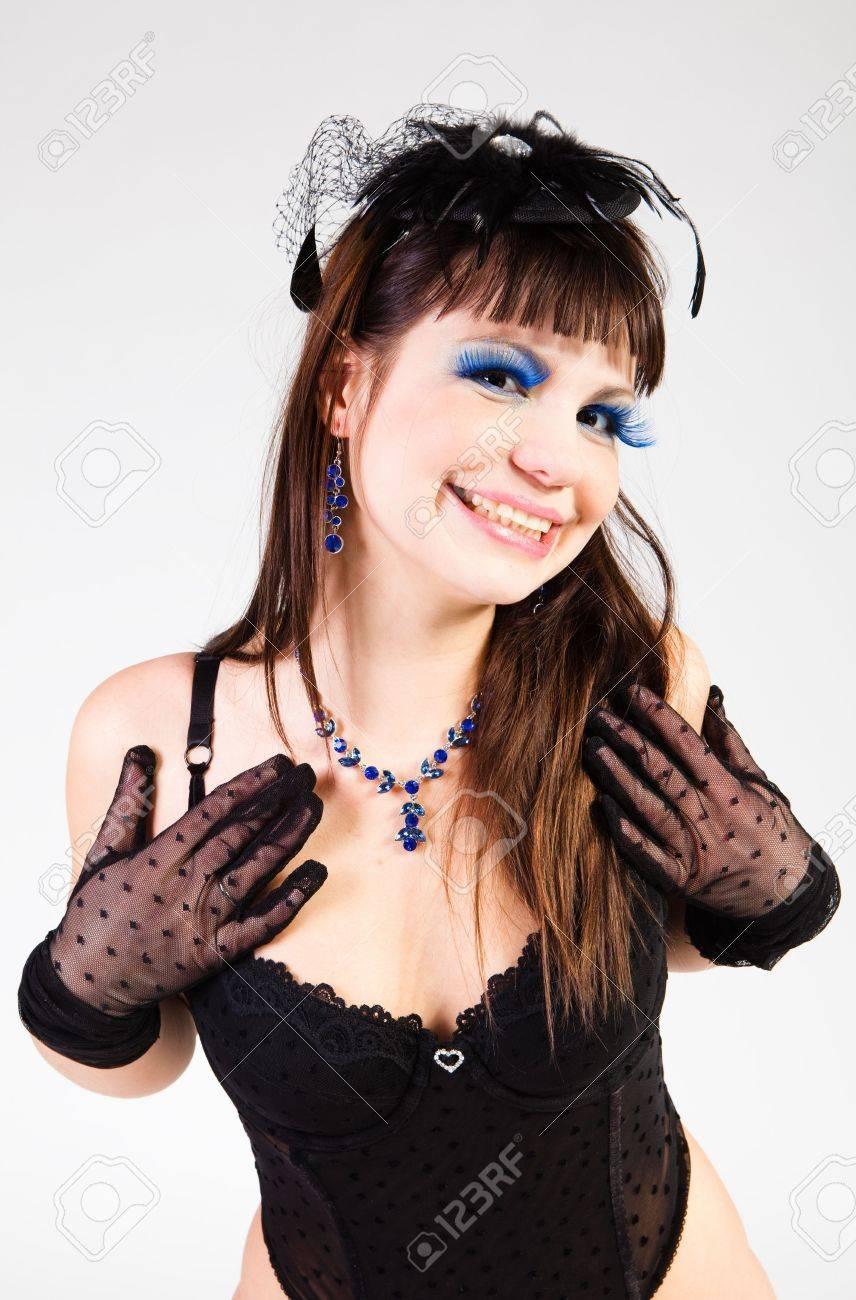 LOVELY BRUNETTE IN BLACK UNDERWEAR Stock Photo - 6289548