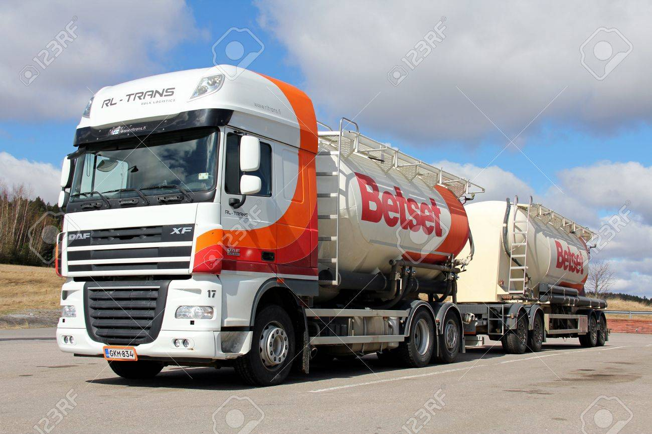 SALO, FINLAND - APRIL 27, 2013: A DAF XF 105 truck and trailer