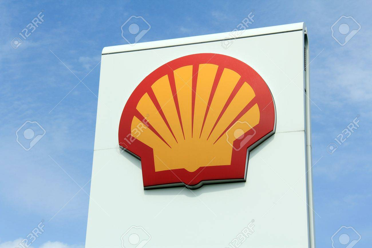 SALO, FINLAND - JUNE 1, 2013: A Logo of Shell at a service station in Salo, Finland on June 1, 2013. Shell is a global group of energy and petrochemicals companies with around 87,000 employees in more than 70 countries and territories (2012). Stock Photo - 19996900