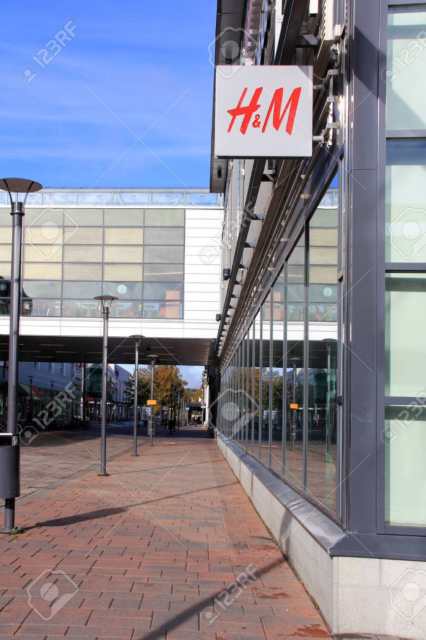 SALO, FINLAND - OCTOBER 6: H&M Fashion Store in October 6, 2013 at Plaza Shopping Center in Salo, Finland. H & M Hennes & Mauritz AB (H&M) is a Swedish multinational retail-clothing company, known for its fast-fashion clothing for men, women and teenagers Stock Photo - 22656863