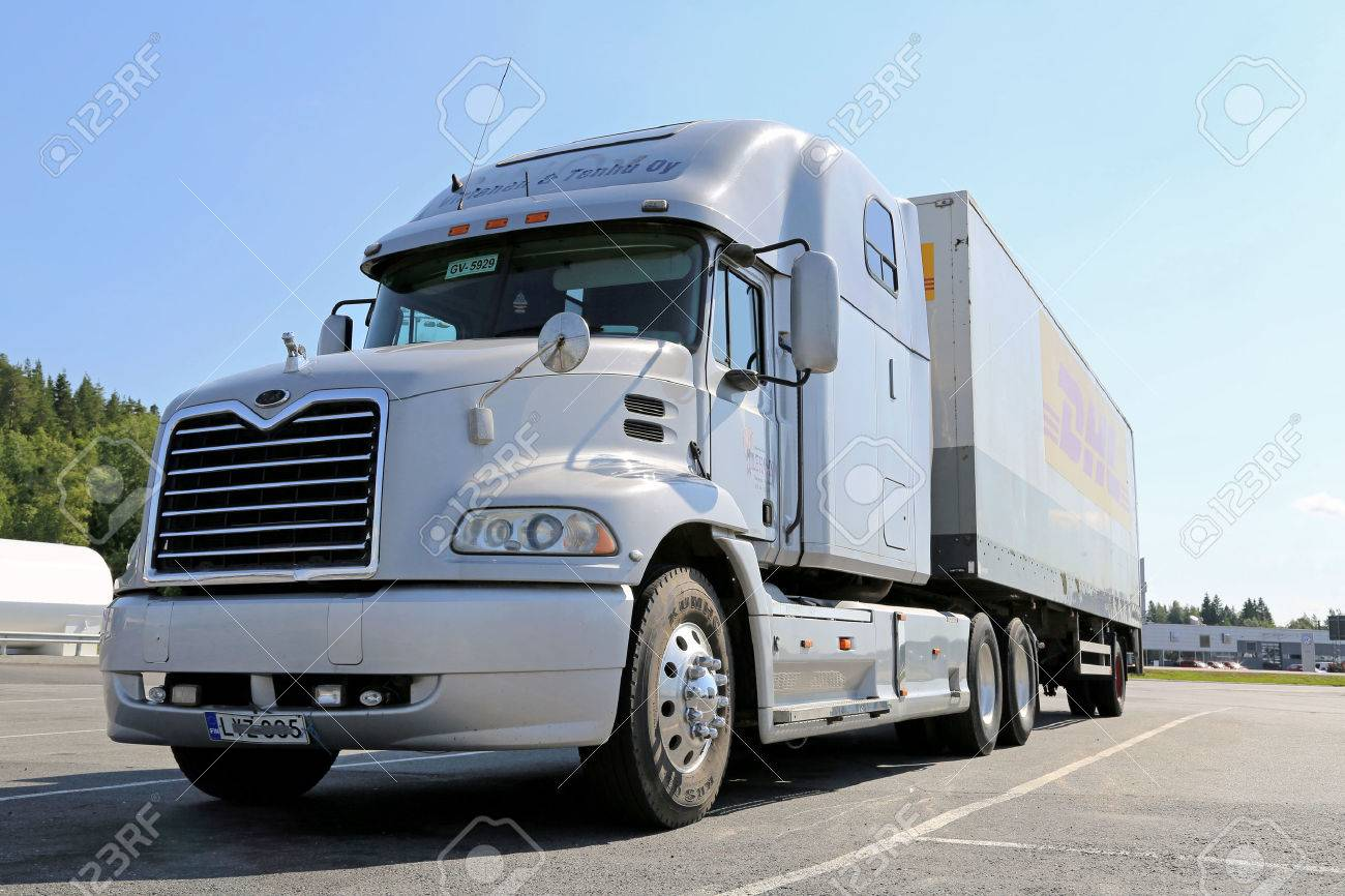 semi truck images u0026 stock pictures royalty free semi truck photos