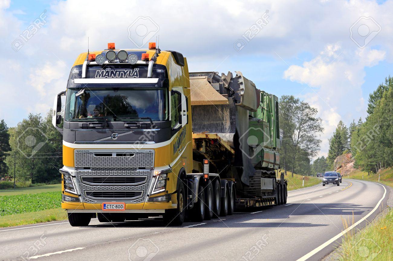 Tenhola Finland July 30 2016 Yellow Volvo Fh16 750 Semi