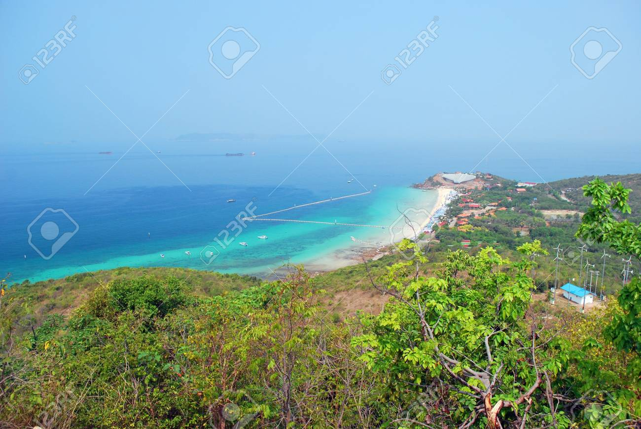 Gulf of Thailand coast of Koh Larn, viewed from a high angle. Stock Photo - 7938882