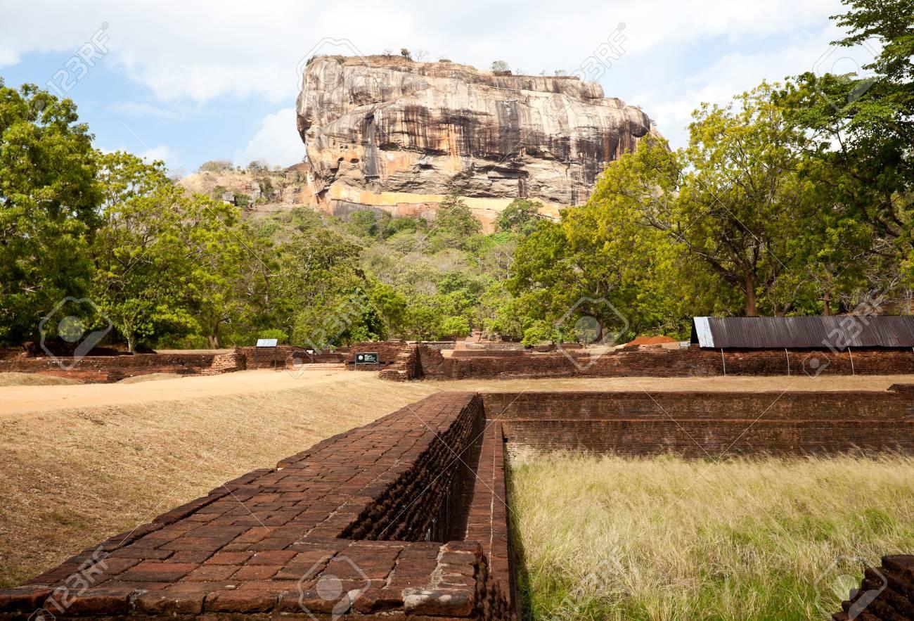 sigiriya lion rock, sri lanka Stock Photo - 10666093